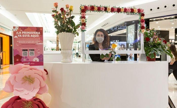 servicios que ofrece el centro comercial miramar